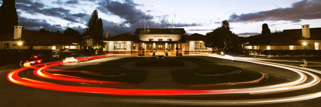 Hyatt-Hotel-Canberra-P067-Exterior-Circle-Drive-1280x427